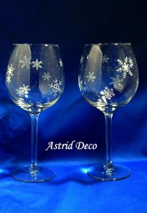 Set 2 pahare vin gravate - Fulgi de zapada