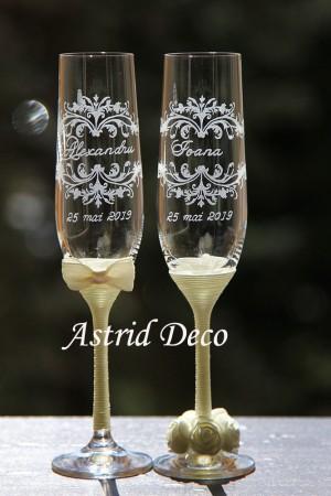 Pahare de Cristal- Miri gravate manual pg30
