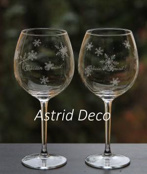 Set 2 pahare de vin gravate - Craciun fericit